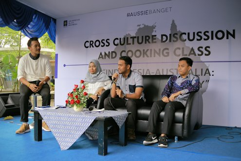 Bridging Indonesia and Australia Cultural Differences through Discussion