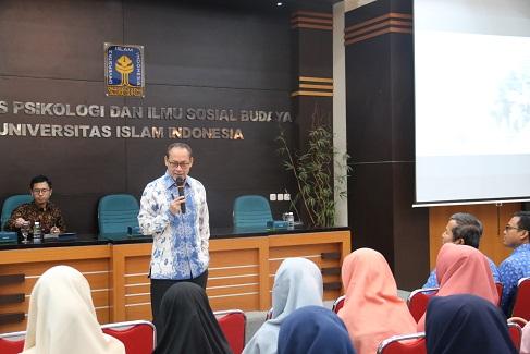 Kuliah Perdana HI: Pemuda, Peluang dan Tantangan ASEAN