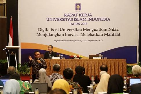 Rapat Kerja 2018, Rektor UII Ajak Peserta Berani Berimajinasi