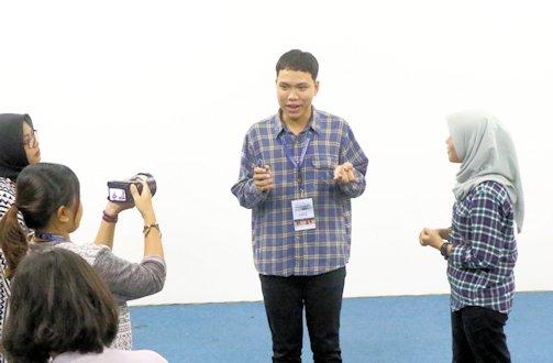 Mahasiswa ASEAN Antusias Ikuti Workshop Fotografi di UII