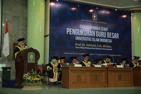 Prof. Sefriani Dikukuhkan Sebagai Guru Besar Ilmu Hukum Internasional