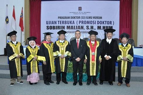 Program Doktor Ilmu Hukum Lahirkan Tiga Doktor Baru
