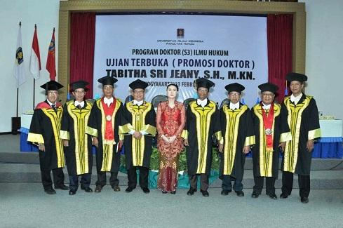 Tabitha Sri Jeany Raih Gelar Doktor di UII