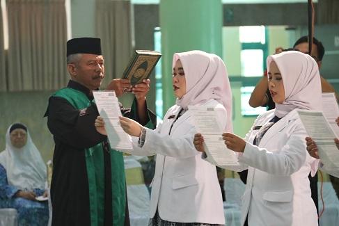 Dokter Baru Lulusan UII Ikrarkan Sumpah Profesi