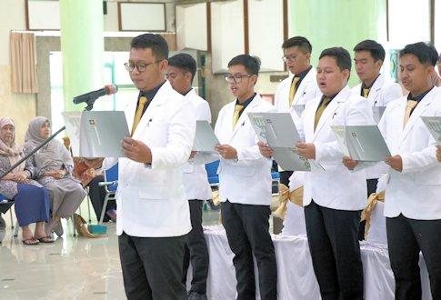 Dokter Muda UII Siap Jalani Pendidikan Klinik