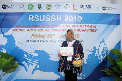 Mahasiswi UII Berpartisipasi dalam Konferensi Ilmiah di Thailand