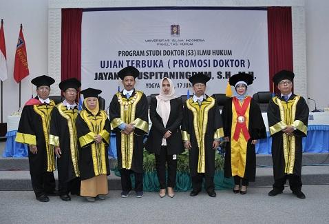 Jayanti Lulusan Ke-86 Program Doktor Ilmu Hukum UII