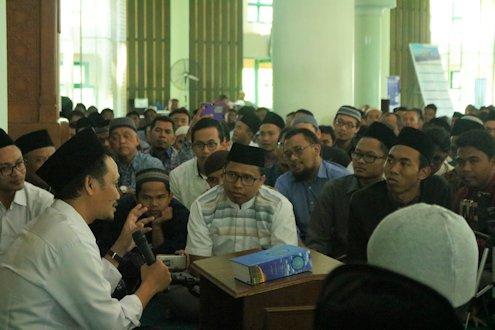 Gus Baha: Kaji Ilmu Al-Quran Sampai Akhir Hayat