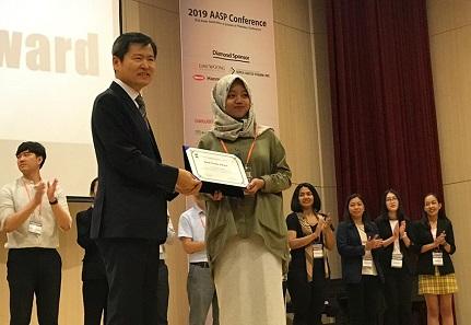 Mahasiswa Farmasi UII Raih Prestasi di Korea Selatan
