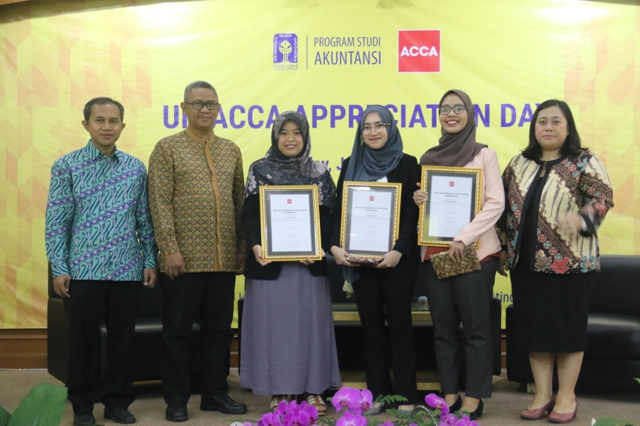 Tiga Mahasiswa UII Raih Gelar ACCA