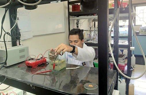 Mengolah Limbah Laboratorium Agar Ramah Lingkungan