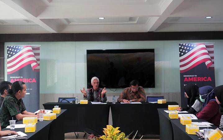 Demokrasi Amerika Serikat Tengah Defisit
