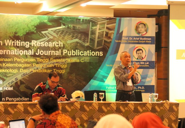 DPPM UII Adakan Workshop Publikasi Jurnal Internasional