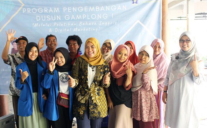 Mahasiswa Ilmu Komunikasi dan Cilacs UII Latih Pemandu Wisata Desa Gamplong