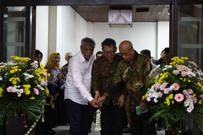 Embun Kalimasada Promosikan Sajadah Bercorak Desain Ala Indonesia