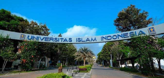 Webinar UII - Investasi di Indonesia - Kepedulian UII - muslim rohingya