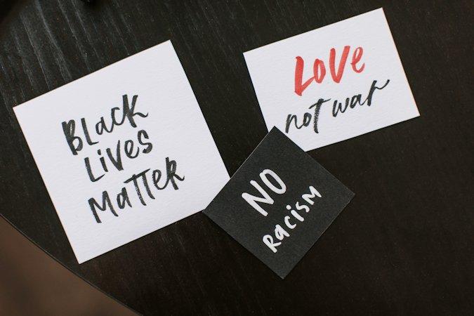 Mencabut Akar Rasisme dari Empat Negara