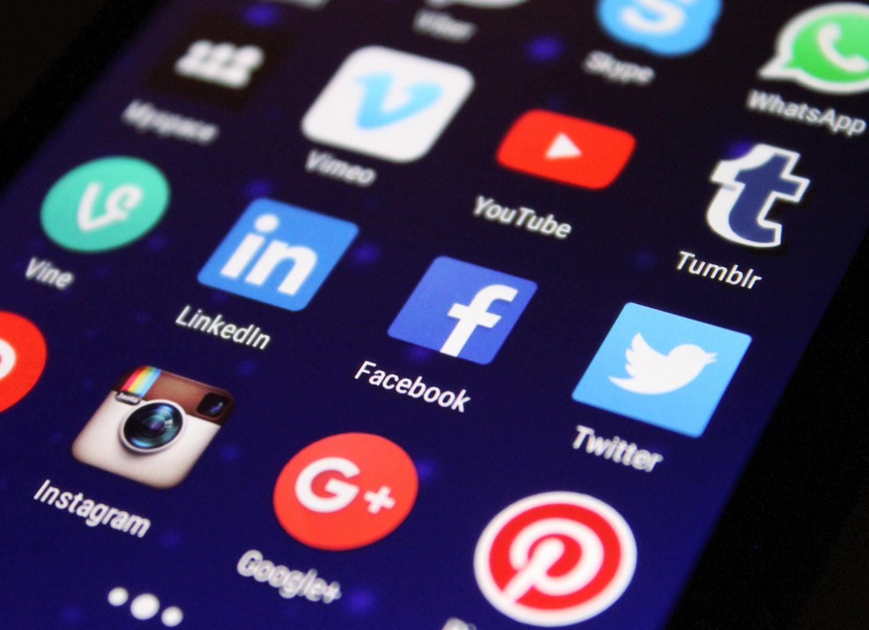 Mazhab Media Sosial Politisi